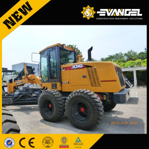 Hot Motor Grader! China Supplier Small Mini Motor Grader Gr 135 for Sale pictures & photos