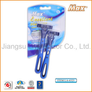 Good Quality Popular in Brazil Compete with Triple Blade Disposable Shaving Razor (LA-6323) pictures & photos