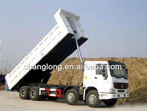 HOWO 8X4 Dump Truck / Tipper Truck in Promotion (ZZ3317N3867C1) pictures & photos