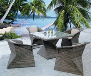 Round Rattan Table Chair Set (7114) pictures & photos