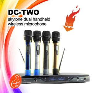 Concert Use DC-Two UHF Dual Handheld Cordless/Wireless Microphone pictures & photos