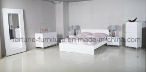 Bedroom Furniture/Modern Wooden UV High Gloss White Chest of 5 Drawers (10295) pictures & photos