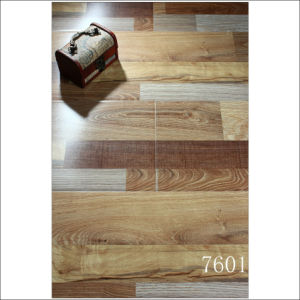 Anti-Static AC4 E1/E0 Reddish Color Strips Brushed Laminate Flooring pictures & photos