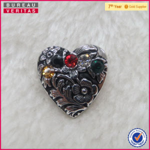 China Factory Custom Alloy Heart Shaped Brooch Pin pictures & photos