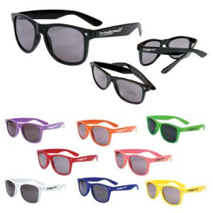 Plastic Logo Printed Glossy Sunglasses (PM242) pictures & photos