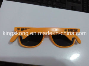 Unique Design Promotional Sunglass with Bottle Opener pictures & photos