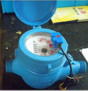 Plastic Multi-Jet Dry Dail Cold Water Meter Dn15-Dn with Pulse Output pictures & photos