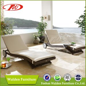 Wicker Furniture Rattan Sun Lounger (DH-9560) pictures & photos