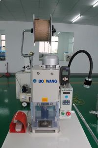 Mute Terminal Crimping Machine with Sensor pictures & photos