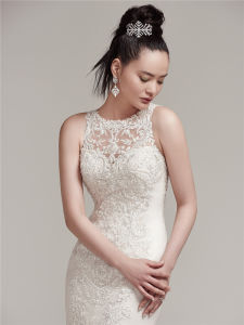 2017 Elegant Lace Wedding Dresses Bridal Buttoncks Dress with Beading pictures & photos