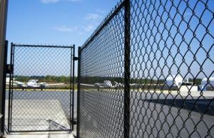 School Plastic PVC Coated Chain Link Fence Yaqi Supply pictures & photos