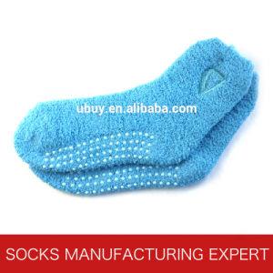 Women′s Custom Warm Fuzzy Socks pictures & photos