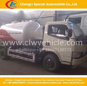 Dongfeng 4*2 LPG Bobtail Trucks for Refilling Use 5.5cbm LPG Refilling Bobtail Trucks pictures & photos