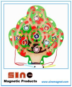 Tree Shaped Wooden Magnetic Maze for Educational Toys pictures & photos