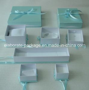 Customized Paper Jewelry Packaging Box pictures & photos
