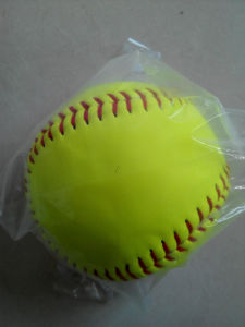 "12"" Yellow Leather Fastpitch Softball pictures & photos"
