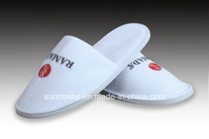 Hotel Slipper with Customized Embroidered Logo pictures & photos