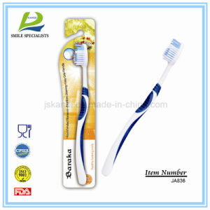 High Quality Adult Toothbrush Effective Cleaning pictures & photos