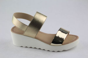 Hot Sales Women Platform Sandal with Flat Heel pictures & photos