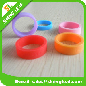 Personalized Fashion Advertising Colorful Silicone Finger Rings (SLF-SR015) pictures & photos