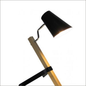 Fashion Modern Wood Reading Desk Lamp / Table Lamp pictures & photos