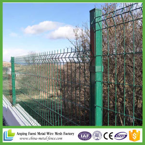 China Galvanized and PVC Coated Welded Wire Mesh Fence pictures & photos