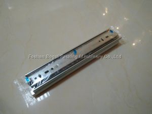 High Quality Hardware Fittings Packing Machine Hinge Pillow Packing Machine Price pictures & photos