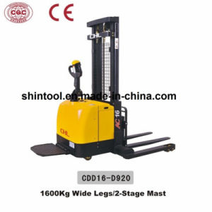1600kg Wide Legs Electric Stacker with Good Price (CDD16-D920) pictures & photos