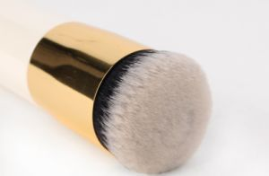 High Quality Makeup Brush Round Wooden Bbcream Brush pictures & photos