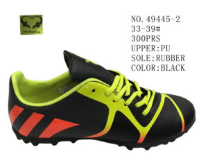 Three Color Soccer Shoes Stock Shoes pictures & photos