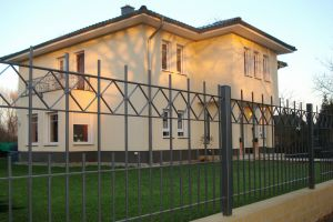 Security Galvanized Wrought Iron Fence /Black Powder Coated Steel Garden Fencing with Iron Panels pictures & photos