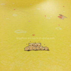 New Design Factory Price Vinyl Guled Back PVC Flooring in Roll pictures & photos