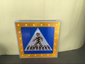 Aluminum Solar LED Flashing Road Sign for Speed Limit pictures & photos