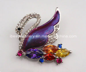 Fashion Jewelry-Swan Shaped Rhinestone Brooch pictures & photos