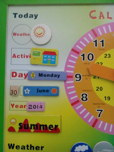 Wooden Calendar Educational Puzzle Wooden Toys (33244-1) pictures & photos
