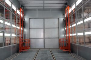 3D Platform Lift for Spraying Room pictures & photos