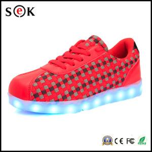 Wholesale Women Men Lovers Adults Luminous Light LED Shoes with Flashing Sole pictures & photos