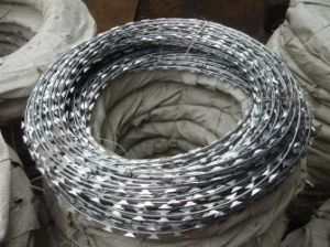 Competitive Price Bt0-22 Galvanized Razor Barbed Wire pictures & photos