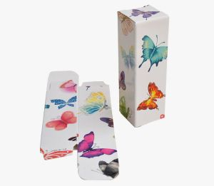 Small Loving Printing Folding Paper Box for Lipstick pictures & photos