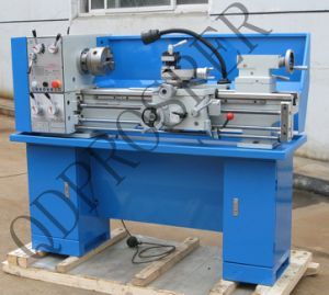 CE Round Head Gear Head Lathe (CQ6230A) pictures & photos