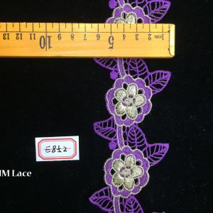 6.5cm Purple Flower Embroidery Lace Fabric with Irrigular Leafs for Garment Hme852 pictures & photos