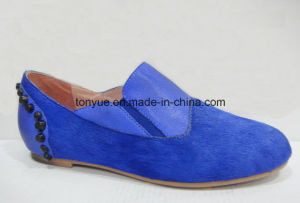 Lady Leather Cow Hair with Rivet Round Flat Shoe pictures & photos