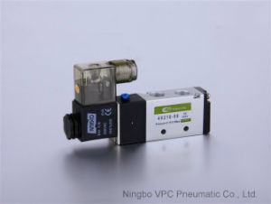 3V110-06 Pneumatic Directional Valve Air Valve pictures & photos
