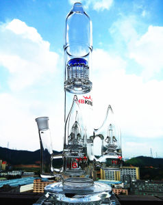 Hb-K55 Arm Tree Percolotor Rocket Shape Glass Smoking Water Pipe pictures & photos