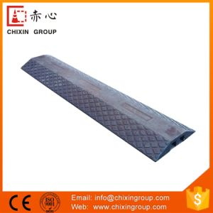 Reflective Heavy Duty Recycled Rubber Car Speed Reducing Humps (CC-B23) pictures & photos