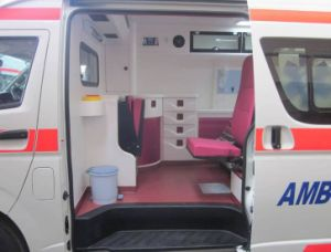 Toyota 4X4 Hiace High Roof 2.7L Gasoline Rhd Ambulance pictures & photos