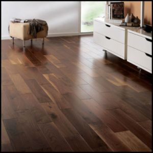 Natural Color Engineered American Walnut Wood Flooring pictures & photos