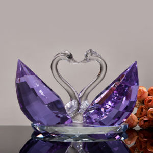 Manufacturer Crystal Glass Swans for Wedding Gift pictures & photos