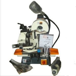 Universal Cutter Grinder Mc160W pictures & photos