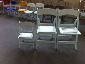 White Resin Folding Chair/Wimbledon Chair/Wimbledon Resin Chair pictures & photos